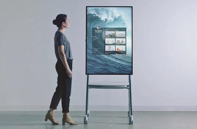 Microsoft может выпустить Surface Hub 2X под управлением Windows 10X
